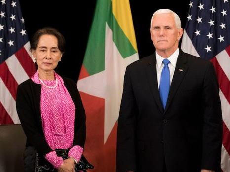 """Les violences contre les Rohingyas sont """"inexcusables"""", dit Pence à Aung San Suu Kyi"""