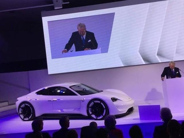 Porsche Mission E : Taycan sera son nom de série !