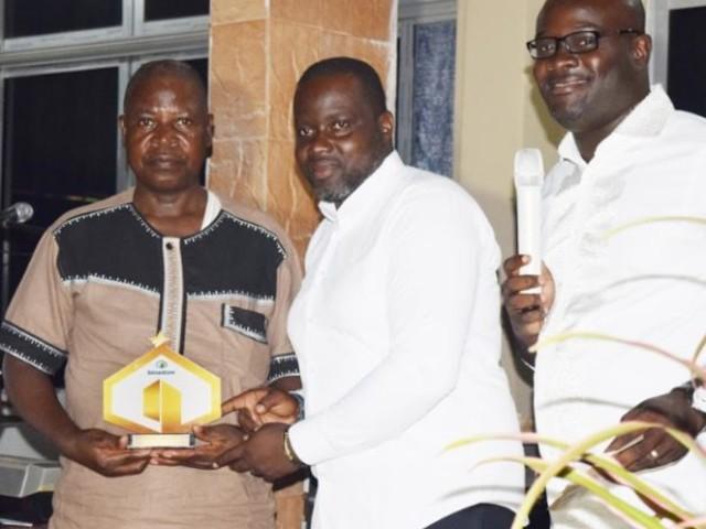 Côte d'Ivoire: un cimentier récompense les meilleurs franchisés de son réseau de distribution