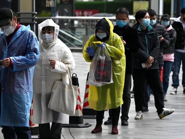 À Wuhan, la ruée vers les urnes funéraires y reflète-t-elle le nombre réel de morts du coronavirus?