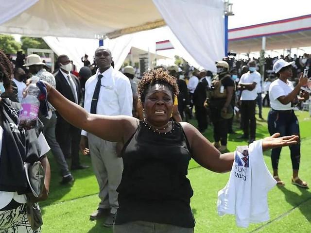 Haïti dit adieu, sous haute sécurité, à Jovenel Moïse, son président assassiné