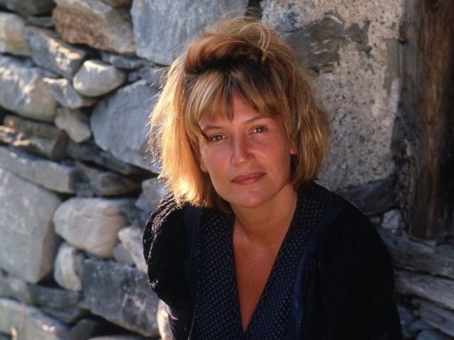 Instant Vintage : Quand Clémentine Célarié se confiait à Télé Star en 1990 au sujet de son mari !