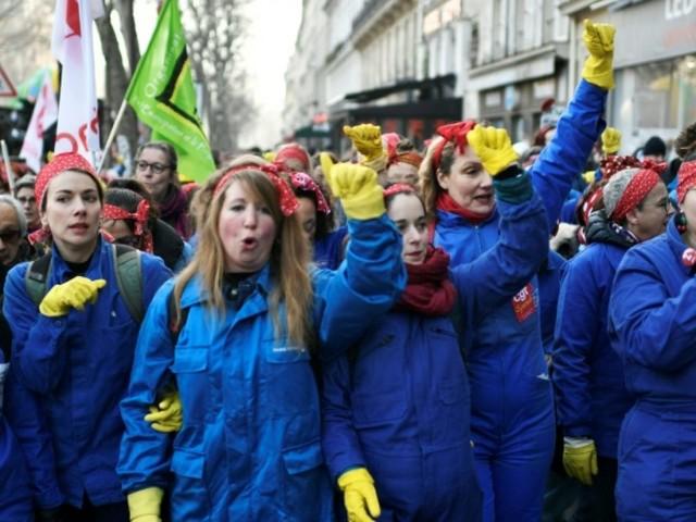 Retraites: 249.000 manifestants en France, dont 31.000 à Paris