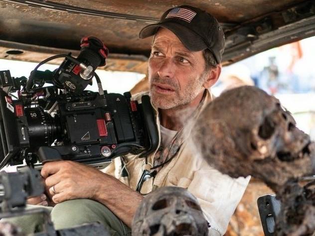 Après Army of the Dead, Zack Snyder reste sur Netflix avec un film de SF entre Star Wars et Les Sept Samouraïs