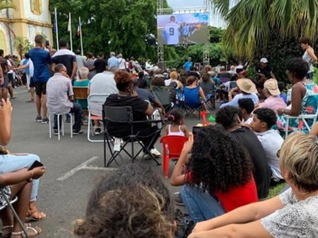 PHOTOS - JSSP vs Epinal : Fan zone et écran géant à Saint-Pierre
