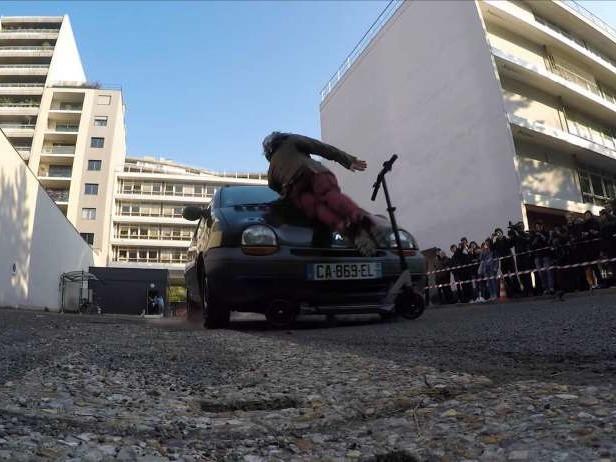1er crash-test voiture contre trottinette [vidéo]