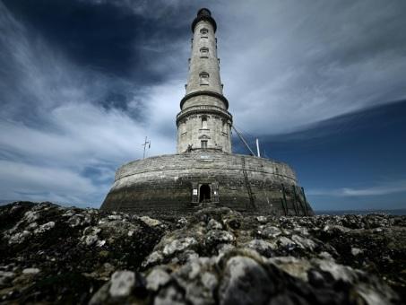 """Dans l'estuaire de la Gironde, Cordouan, le """"roi des phares"""", sacré par l'Unesco"""