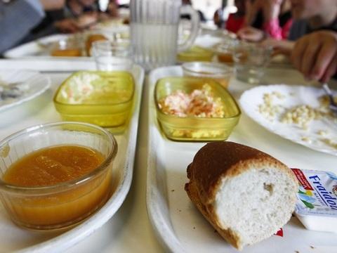 Allier: Les parents ne payent pas la cantine, on sert du pain à leurs enfants