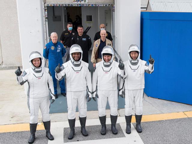 SpaceX envoie dimanche des astronautes vers la station spatiale