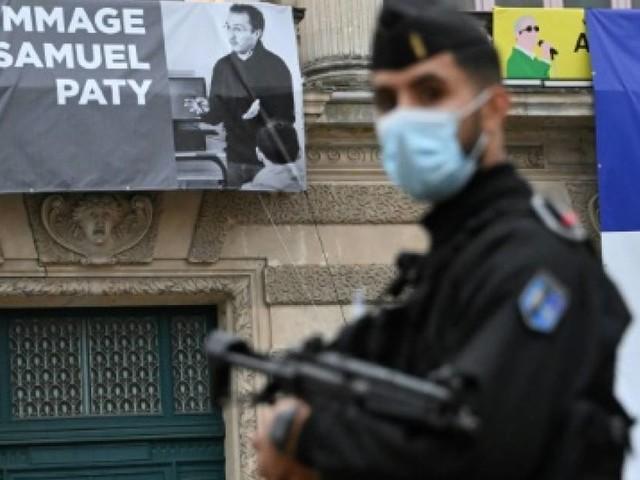 Professeur décapité: le meurtrier en contact avec un jihadiste russophone en Syrie