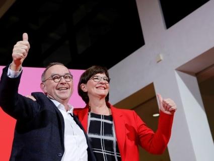 Allemagne: le coup de barre à gauche du SPD fragilise la coalition Merkel