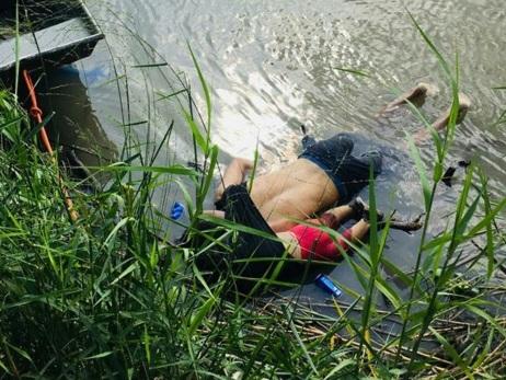 """""""Ils avaient ce rêve américain"""": la douleur de la famille des noyés du Rio Bravo"""