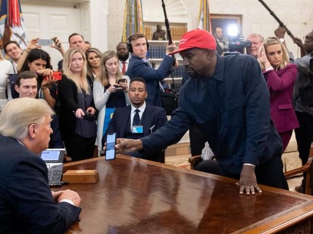 Kanye West dévoile involontairement le code simpliste de son iPhone