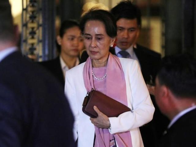 Aung San Suu Kyi, la chute d'une icône