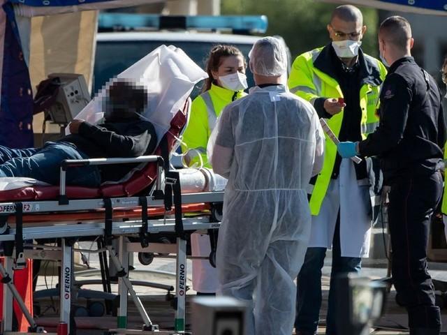 Royaume-Uni : un adolescent de 13 ans décède du coronavirus