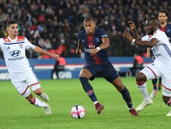 Foot - C1 - Lyon - Lyon : Tanguy Ndombele rassuré avant le match contre le Chakthior, Houssem Aouar inquiet