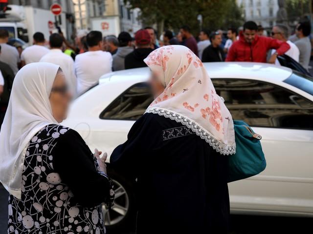"""Henda Ayari : """"Nous ne pouvons pas libérer les femmes voilées contre leur gré"""""""