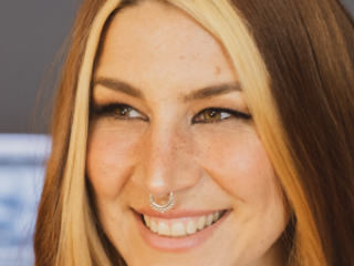 Charlotte Wessels prend racine solo