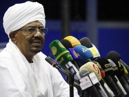 Des milliers de Soudanais réclament la dissolution de l'ancien parti au pouvoir