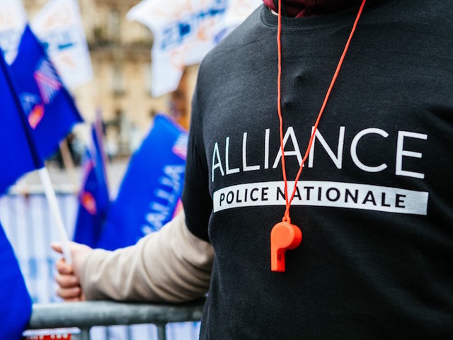 Rassemblements, tracts menaçants : Alliance, le syndicat policier qui fait trembler Castaner