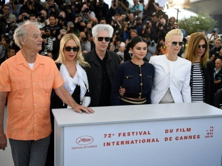 Un jour à Cannes: Bill Murray prend la pose, Jarmusch salue Romero