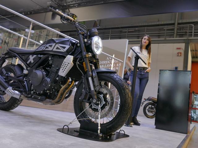 Brixton Crossfire 500 et 500 X : montée en gamme I Salon Milan 2019