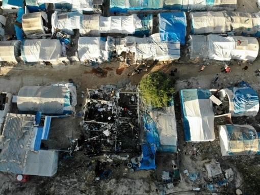 """Syrie: à Qah, dans un camp de déplacés, la mort est """"tombée du ciel"""""""