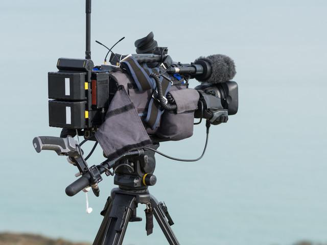 """Le correspondant de RFI interpellé à Tunis, une association dénonce """"la pression grandissante"""" sur les journalistes étrangers"""