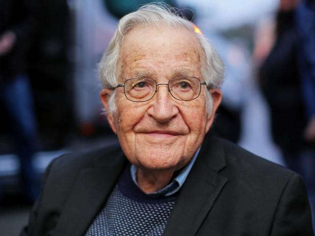 Noam Chomsky : Ocasio-Cortez et d'autres nouveaux arrivants réveillent les foules. Par C.J. Polychroniou