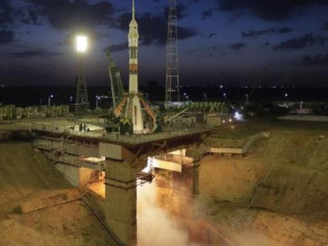 La Russie va (à nouveau) armer ses cosmonautes dans l'espace