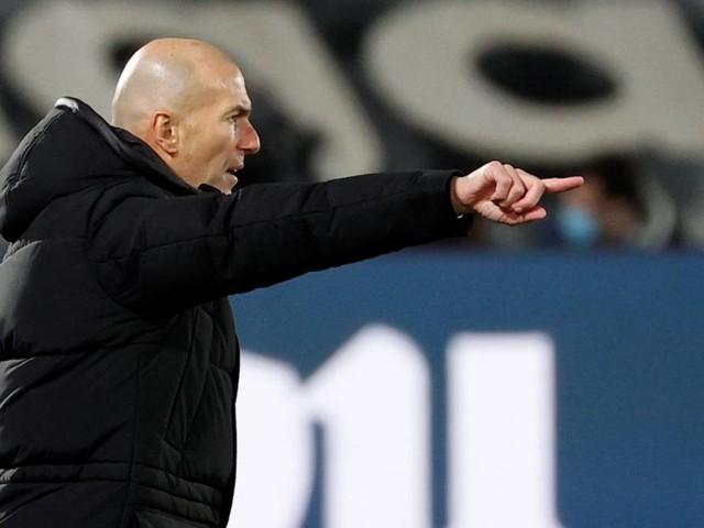 Real Madrid : Zinedine Zidane prend position sur les prolongations de contrat