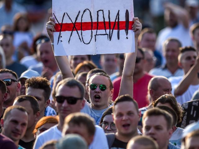 """Manifestations en Biélorussie : """"On est clairement au début de la fin pour Loukachenko"""""""