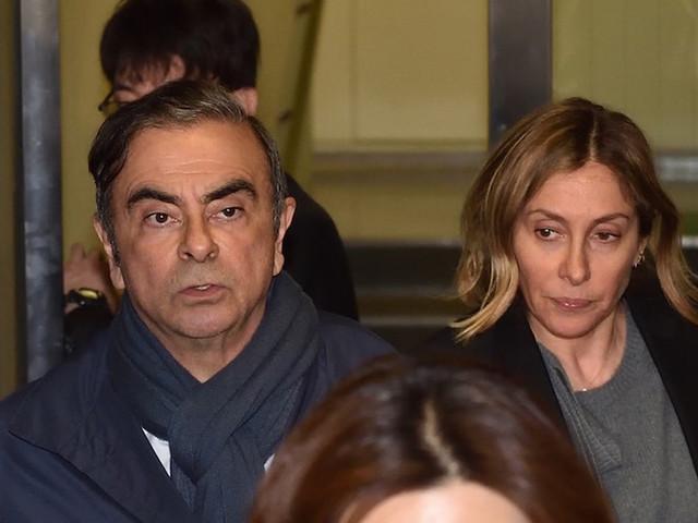 """""""Lâche"""", """"négatif pour les étrangers"""" : la presse japonaise sidérée par la fuite de Carlos Ghosn"""