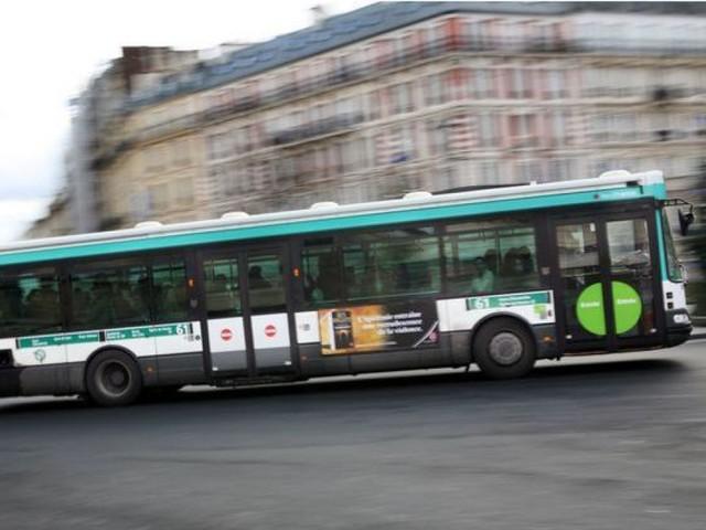90 000 signatures de soutien pour le chauffeur de bus parisien qui a giflé un collégien