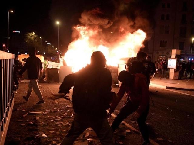 Espagne : des incidents violents après l'interpellation d'un rappeur
