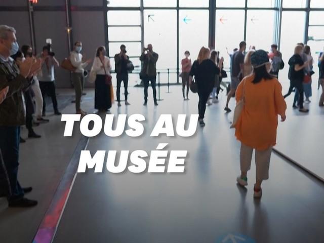 """À Paris, le centre Pompidou rouvre ses portes pour l'expo """"Christo et Jeanne-Claude"""""""