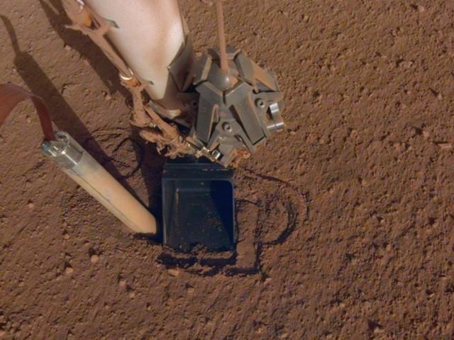 Mission InSight : une réponse inattendue du sol martien !