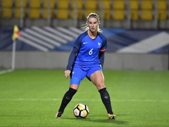 Foot - Bleues - Bleues : Amandine Henry capitaine, Corinne Diacre change tout