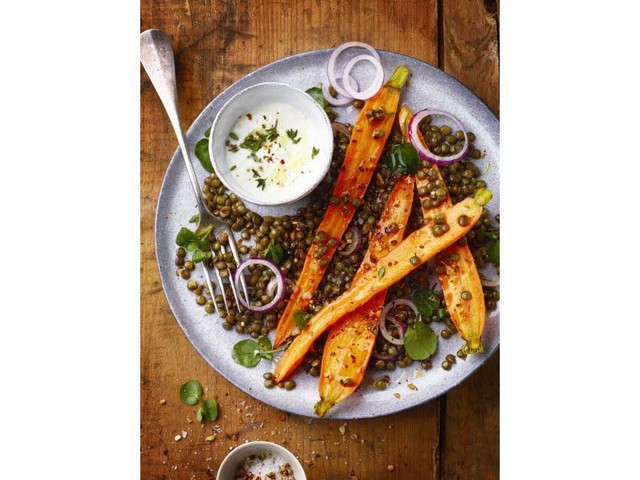 Salade de carottes rôties aux lentilles et au chèvre