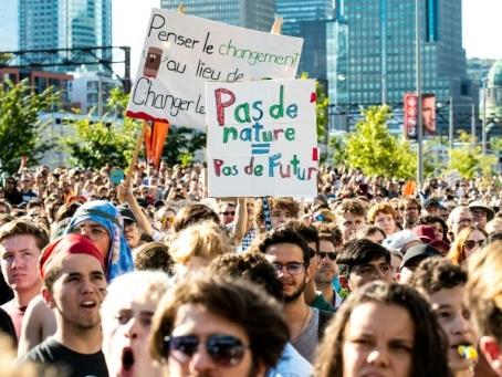 """A Montréal, une marée humaine pour un défilé """"historique"""" avec Greta Thunberg"""