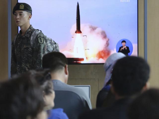 La Corée du Nord a testé des lance-roquettes et une «arme tactique guidée»