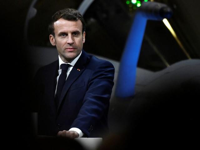 Emmanuel Macron répond à ceux qui l'accusent de passer en force