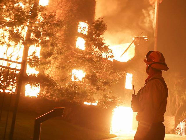 Cette photo montrant l'évacuation de Malibu, menacée par un incendie, devient virale