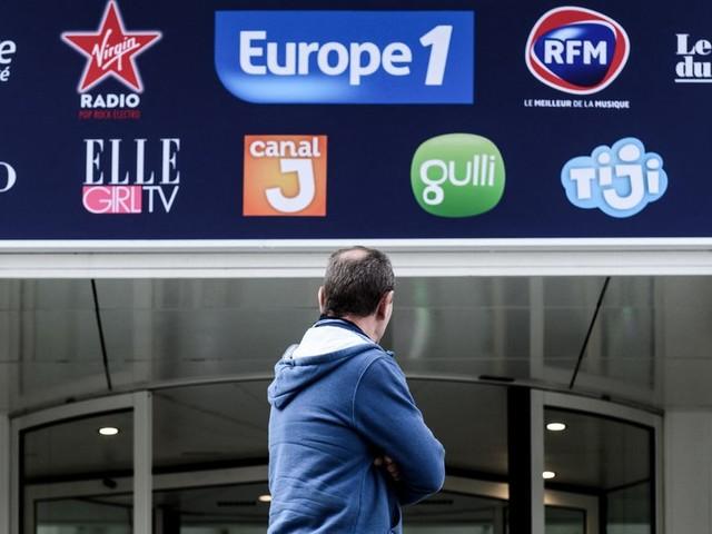 Le propriétaire d'Europe1 annonce une émission commune avec CNews en pleine grève