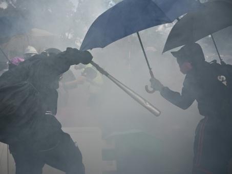 Hong Kong: les transports de nouveau ciblés par les manifestants