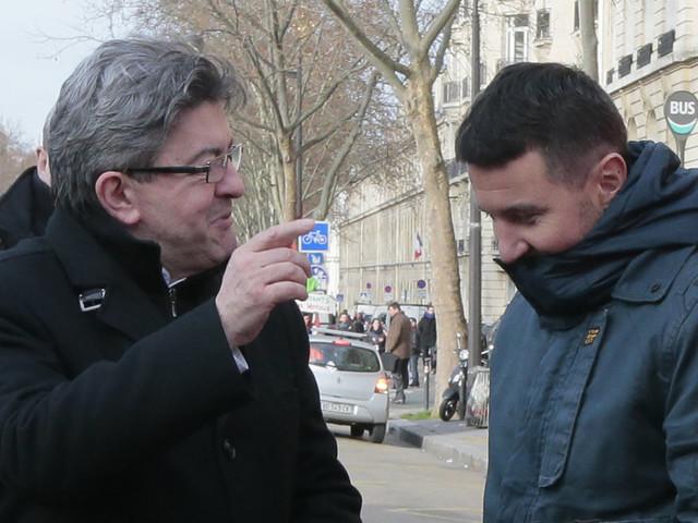 Mélenchon et Besancenot soutiennent l'appel à la grève générale de gilets jaunes