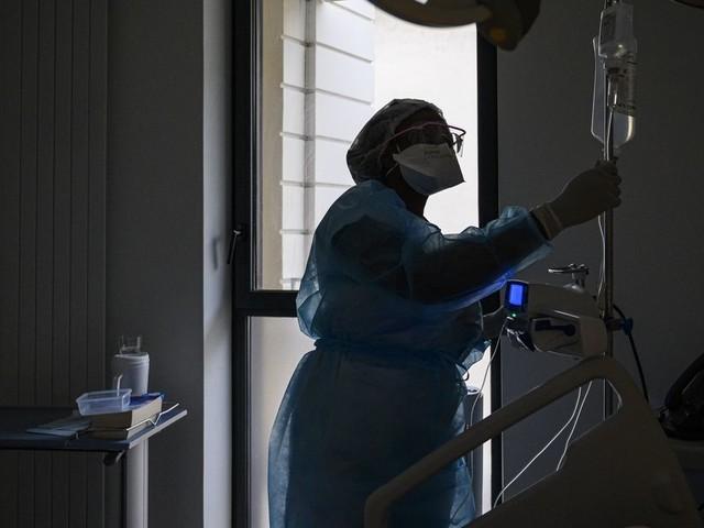 Covid-19: un 1er cas de réinfection grave par le variant sud-africain observé en France