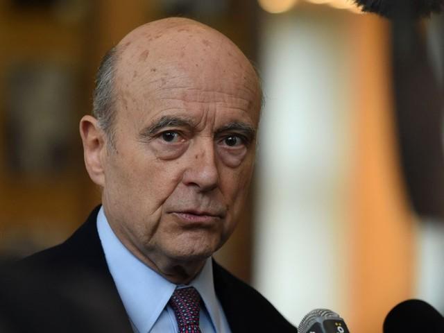 """""""Gilets jaunes"""" : le président doit """"répondre concrètement"""", selon Alain Juppé"""
