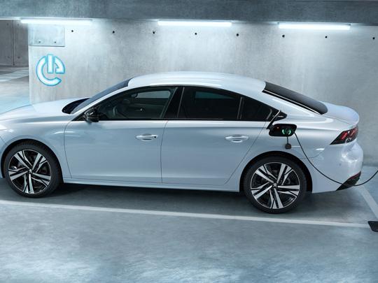 Peugeot 508 hybride rechargeable, un prix de départ de 44.550 euros