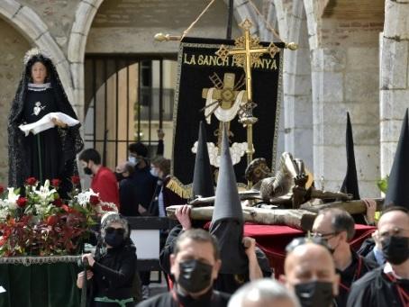 A Perpignan, retour de la procession de la Sanch, rituel catalan du Vendredi saint